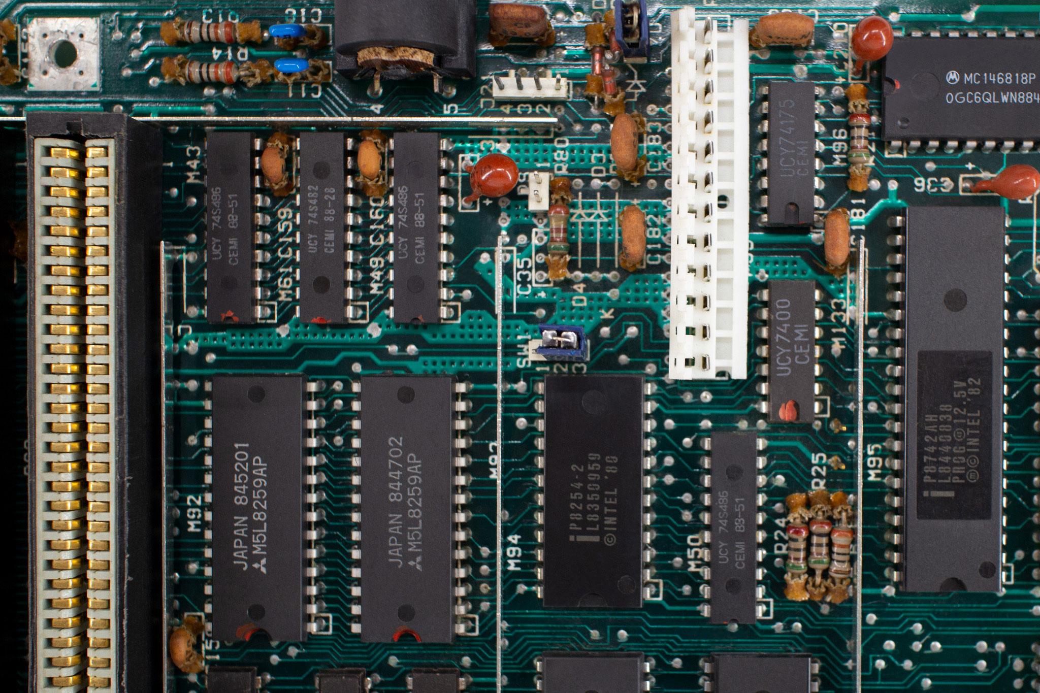 Elwro 801AT - płyta główna
